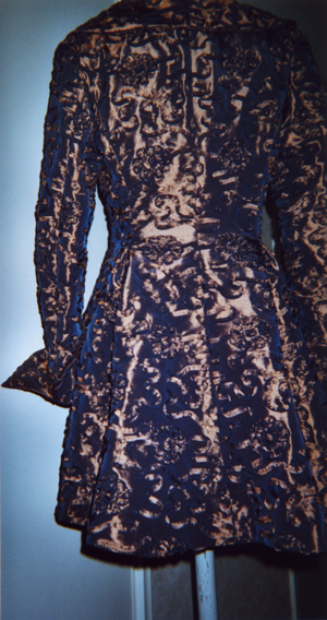 Brokaat mantel Auk Bakker Couture